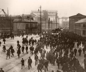 Workers 1911 Belfast Titanic Harland & Wolff