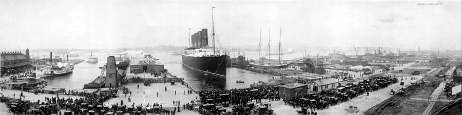LUSITANIA-at-pier-1907