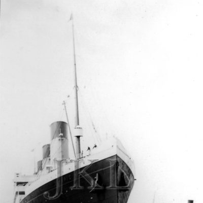 A bow view of the Olympic in Southampton. (J. Kent Layton Collection)